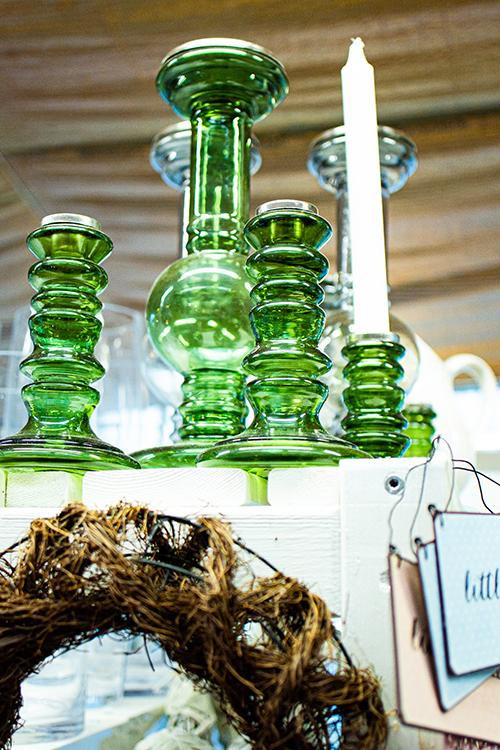 vihreät lasiset kynttilänjalat